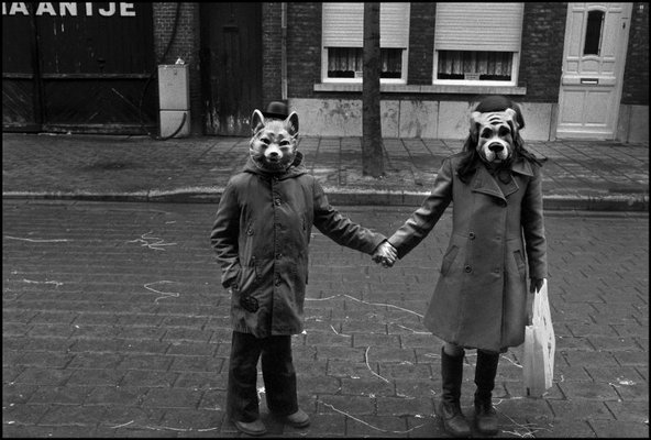 http://www.geoffreygolden.com/wp-content/uploads/2009/03/holding-hands_masks.jpg